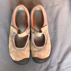Keen shoes, size 10